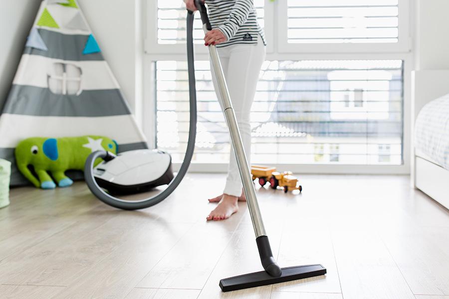 Come pulire il pavimento in laminato: ecco la guida definitiva di